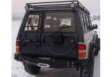 Parachoques trasero Nissan Patrol Y60