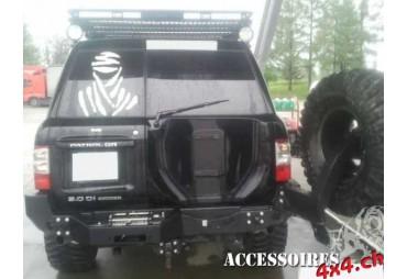 Pare choc arrière porte treuil Nissan Patrol Y61